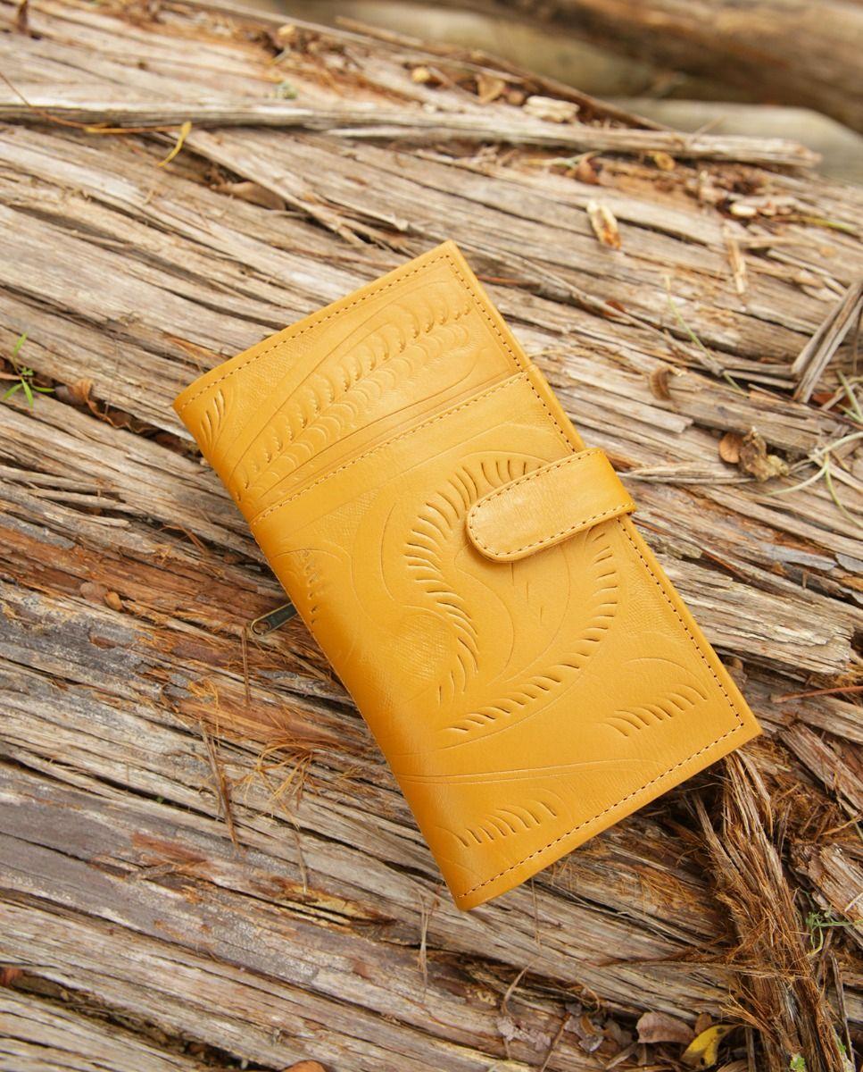 san antone magnetic closure wallet