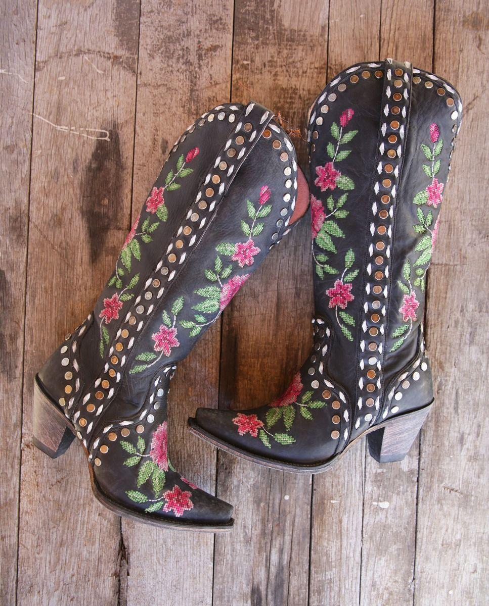 wild stitch boot- black