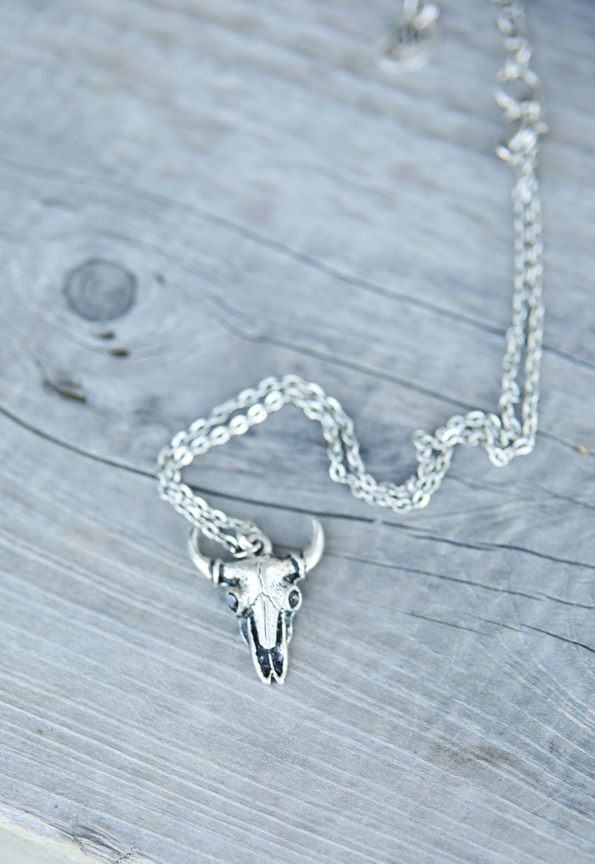desperado skull necklace