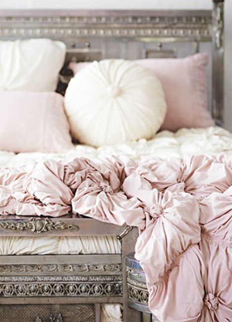the rosette cushion