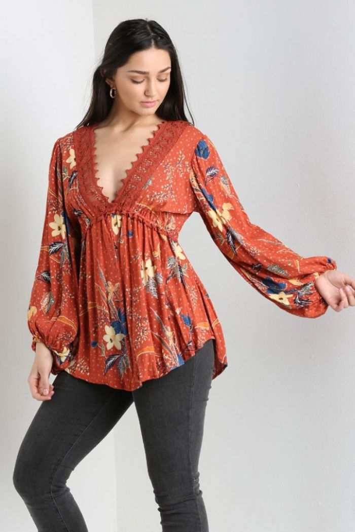 the beth floral blouse