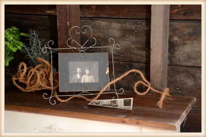 wire photo holder