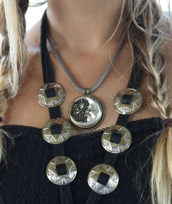far out west necklace-available in black or brown