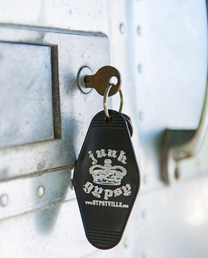 GYPSY HOTEL keychain BLACK & SILVER