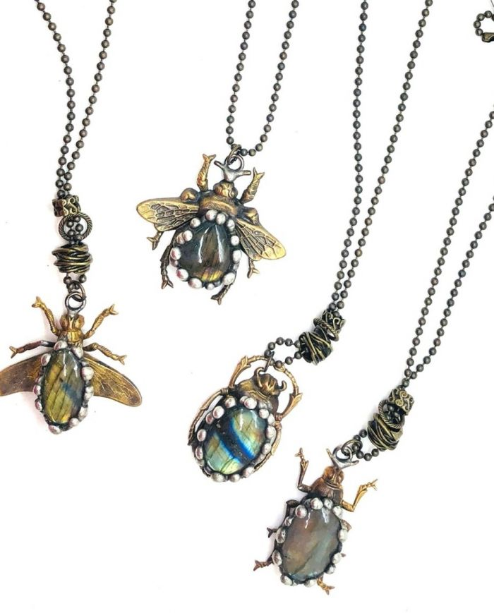 labra bug necklace
