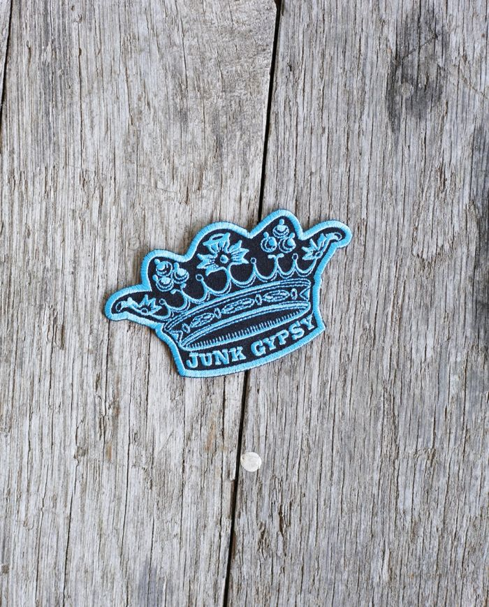 turquoise crown patch