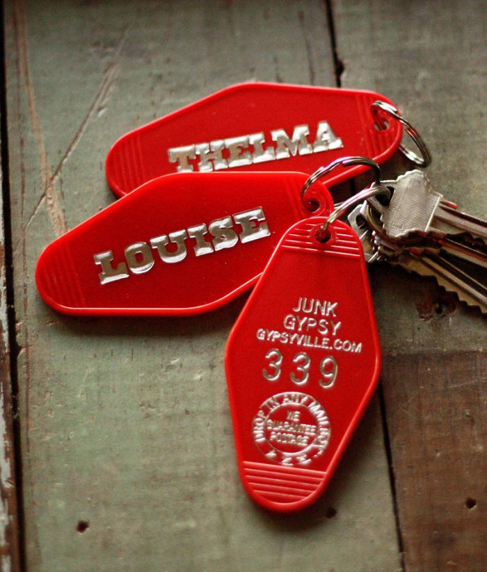 red thelma and louise hotel keychain