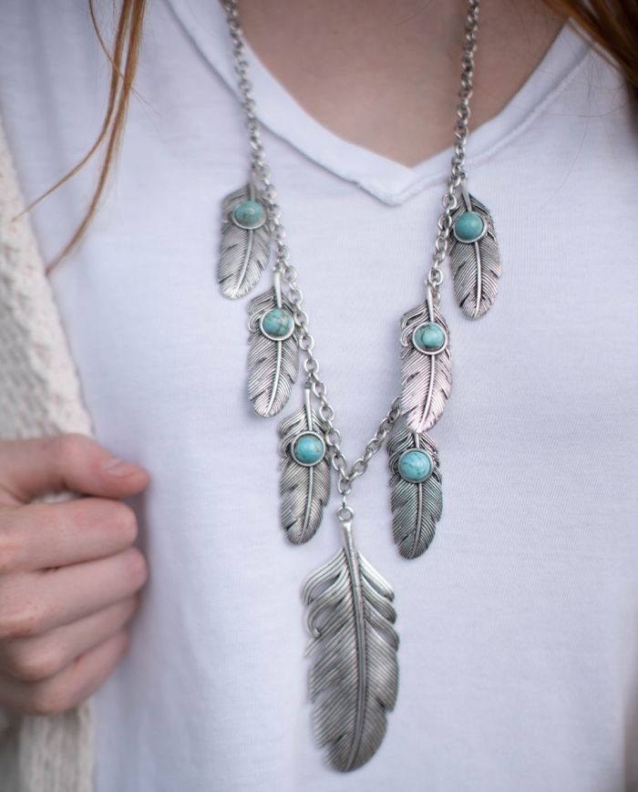 wind dancer feather necklace