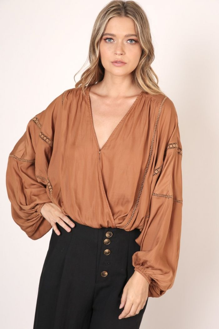 balloon sleeve blouse
