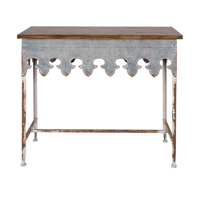 New Orleans style scalloped edge table