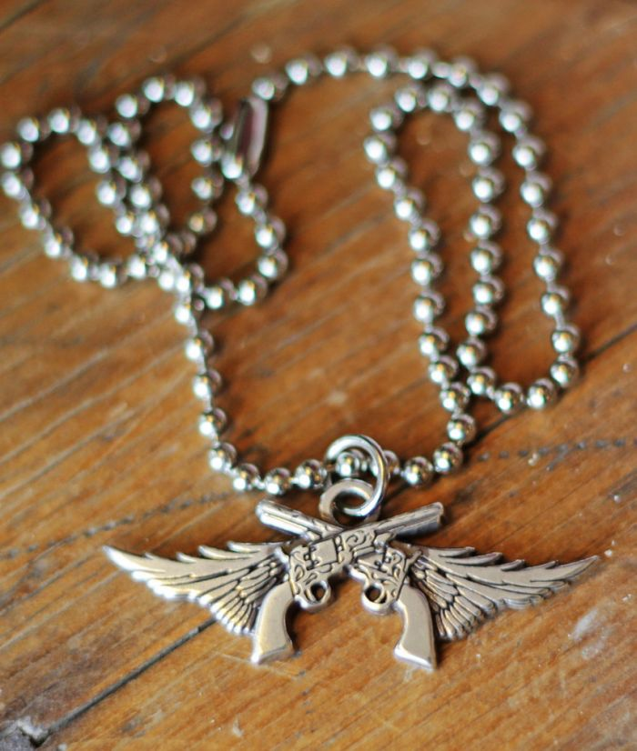 guns n' wings pendant necklace - miranda lambert collection