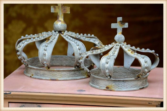 peacock crown